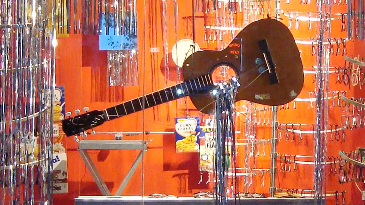 Installationen_OH Gitarre2